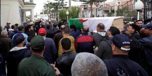 الجزائر تودع ضحايا الطائرة العسكرية بالزغاريد و الدموع ! (الصور)
