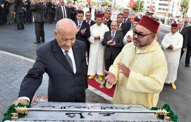 """بالصور تدنيس النصب التذكاري الخاص بالزعيم السياسي الراحل """"عبد الرحمان اليوسفي"""""""