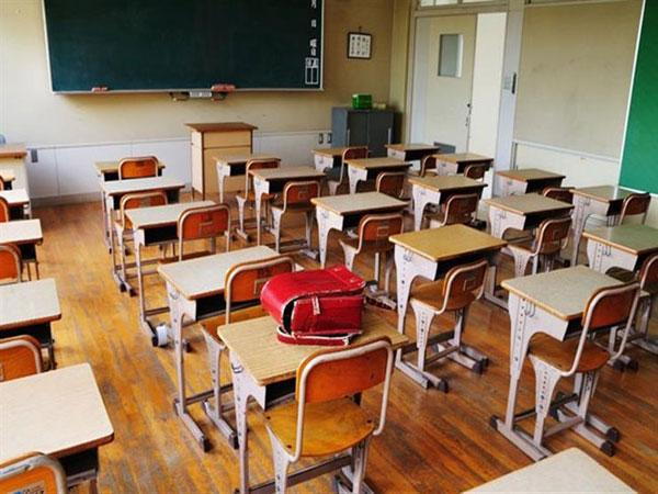 فرنسا تغلق أزيد من 20 مدرسة بسبب فيروس كورونا