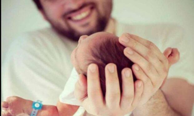 شركة تمتع الآباء بإجازة الولادة مدفوعة الأجر مدتها تفوق 3 أشهر