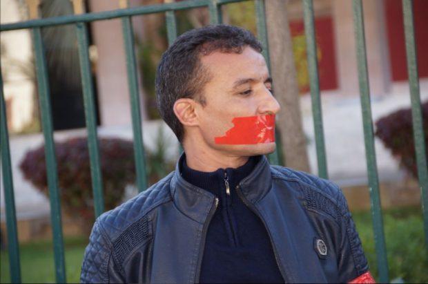 مدير جريدة تيزبريس …بوتزكيت يهددني وبستغل المؤسسة الملكية…