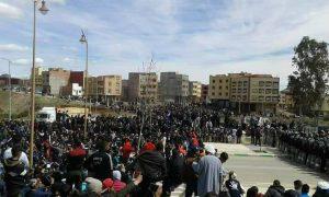 إنزال أمني كثيف لمنع محتجين غاضبين من الوصول لـ'ساحة الشهداء' بجرادة!( الصور)