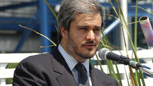 مسؤول تونسي سابق يتحدث عن الجهات التي ضغطت لترحيل الأمير مولاي هشام