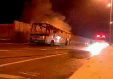 ألسنة النيران تلتهم حافلة الهلال الرابطة بين الدار البيضاء و تافراوت